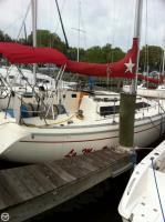 Jeanneau 32 Attalia sailboat in Bay Head, New Jersey, U.S.A