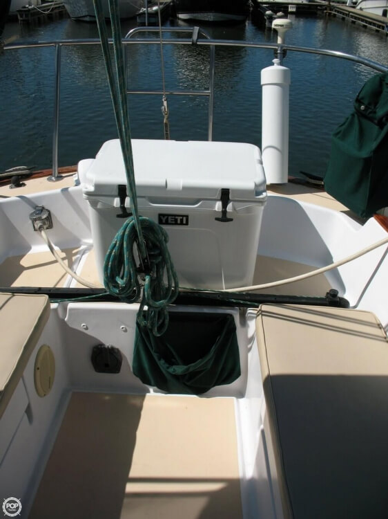 Pearson 35 sailboat in Cornelius, North-Carolina-USA