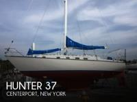 Hunter 37 sailboat in Centerport, New-York-USA