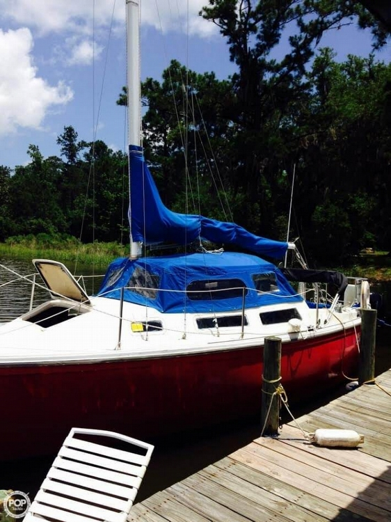 Catalina 25 sailboat in Gulf Shores, Alabama-USA