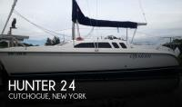 Hunter 240 sailboat in Cutchogue, New-York-USA