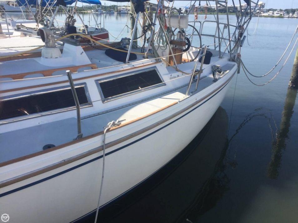 Catalina 34 Wing Keel Tall Rig sailboat in St. Augustine, Florida-USA