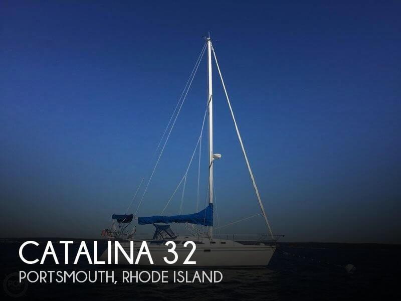 Catalina 320 sailboat in Portsmouth, Rhode-Island-USA