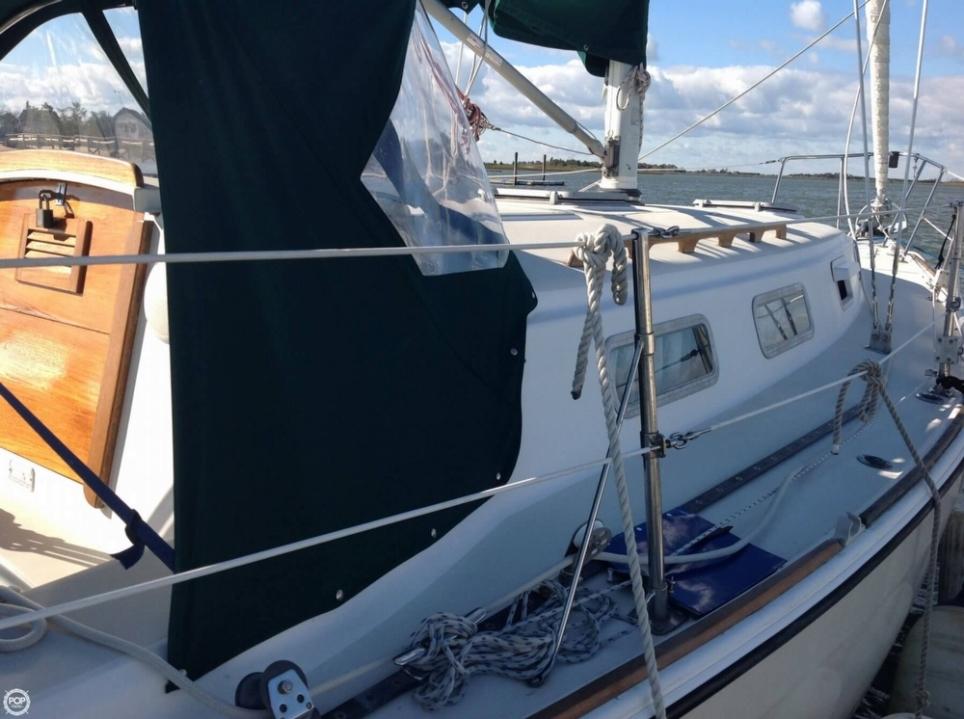 Pearson 303 sailboat in Clinton, Connecticut-USA